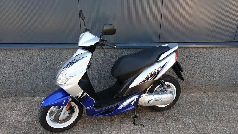 VERKOCHT....Yamaha Jog R 25 km/h