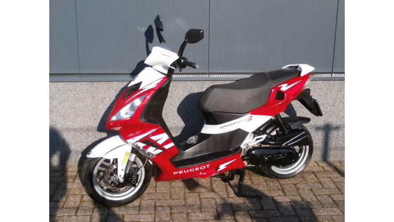 VERKOCHT.....Peugeot Speedfigt III 45 km/h 2012