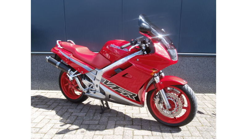VERKOCHT.....Honda VFR 750 F rood