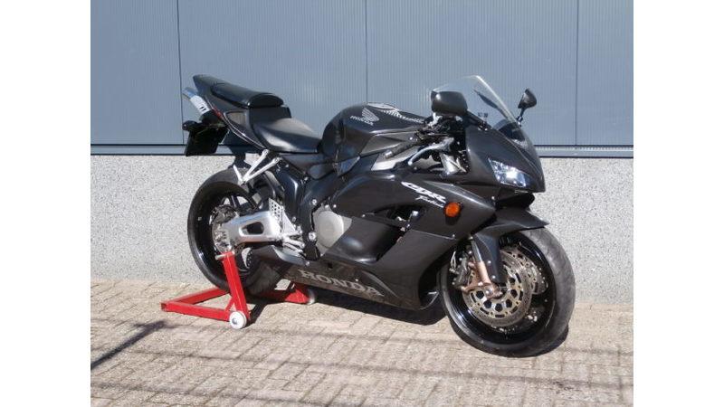 VERKOCHT..... Honda CBR 1000 RR Fireblade 2004