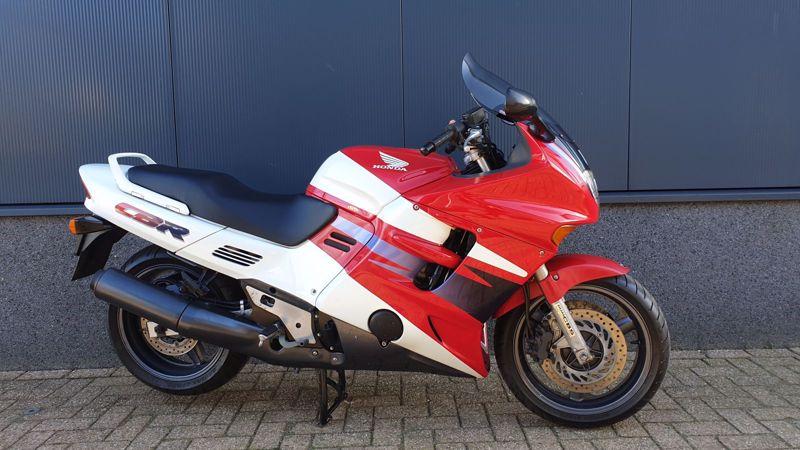 HondaCBR 1000 F  KOOPJE....