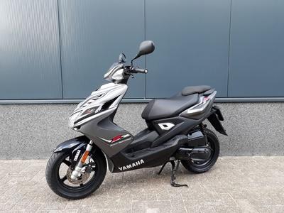 Yamaha Aerox 4-T 45 km/h  2014