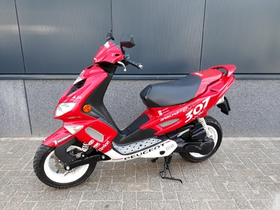 .....Peugeot Speedfight II 25 km/h 2005