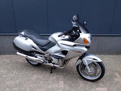 .....Honda NT 650 V Deauville 2002