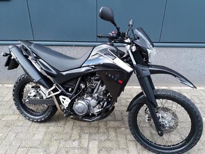 XT 660 R zwart enduro 2010 (a2 / 35kw motor)