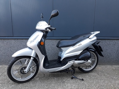 .....Peugeot Tweet 25 km/h 2010