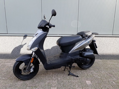 ....... Kymco Agility 50 snorscooter  4-takt  2008