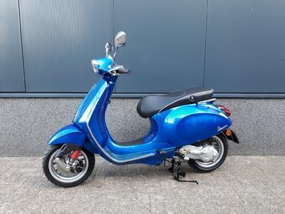 ..... Vespa Sprint  45 km/h blauw 2015