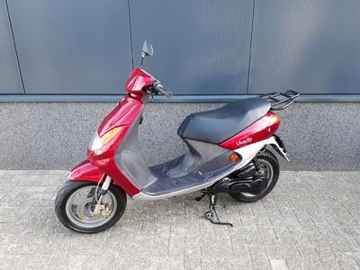 ....Peugeot Viva City  25 km/h rood