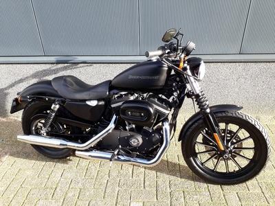 .....Harley Davidson 883 Iron Black 2011 (nieuwstaat)