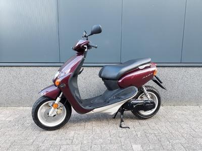 ....Yamaha Neo's 45 km/h Koopje!