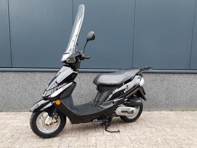 ....Peugeot V-Clic zwart   25 km/h