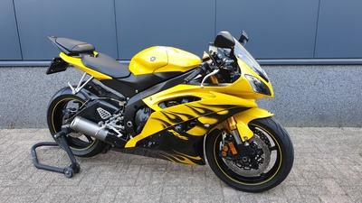 ......Yamaha R6 geel 2008