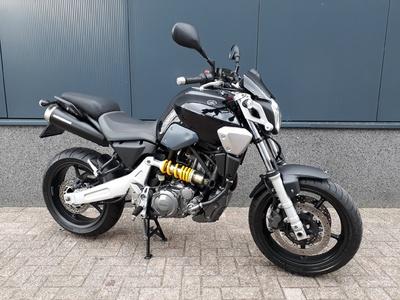 ........Yamaha  MT-03 zwart 2007 35 kw  (a2 rijbewijs)