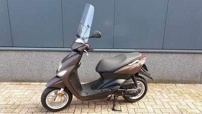 ....Yamaha Neo's 4 T 25 km/h 2015