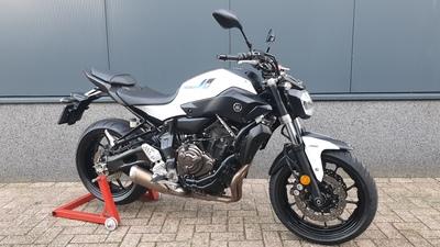 ....Yamaha MT-07 Wit ABS 2017 (a2 / 35kw geschikt)