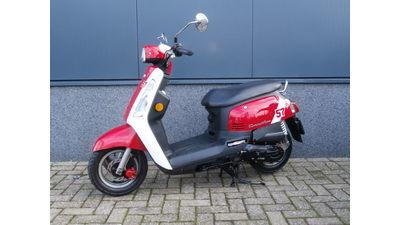 .... SYM Tonik rood-wit 45 km/h