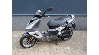 ....Peugeot Speedfight III 25 km/h 2011