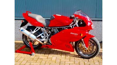.....Supersport 750 ie