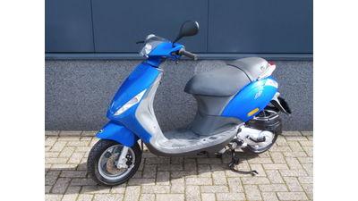 .....Piaggio Zip 4-takt Blauw 25 km/h