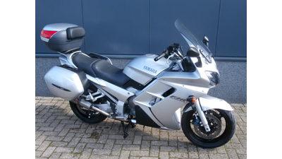 ....Yamaha FJR 1300
