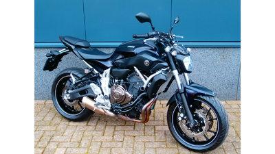 .........Yamaha MT-07 abs