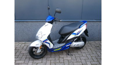 ......Yamaha Jog R 25 km/h 2013