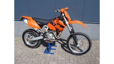 .....KTM 450 EXC enduro
