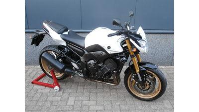....Yamaha FZ8 wit 2010