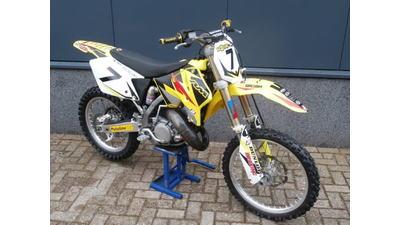.... Suzuki RM 125   2007