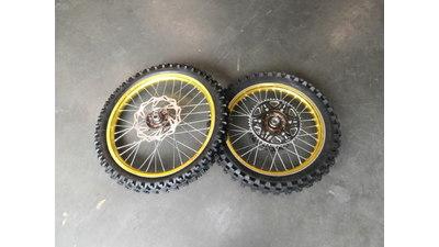 Excel cross wielen goudkleurig !! (nieuwstaat)