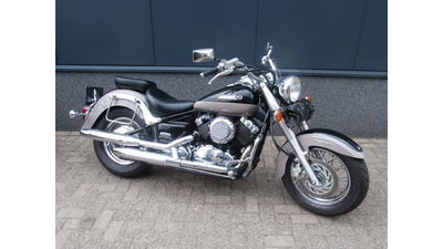 ......Yamaha XVS 650 A Dragstar Classic