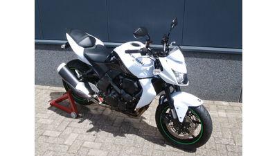 ....Kawasaki Z750 wit 2010 special..