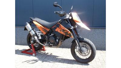 ...KTM 690 SM 2010