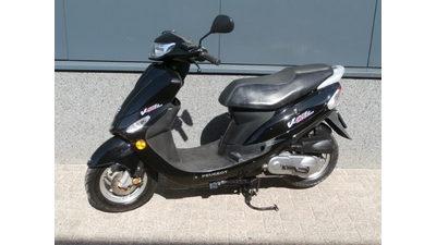 ....Peugeot V-clic 25 km/h zwart