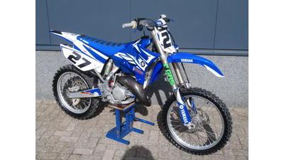 ....Yamaha YZ 125   2009