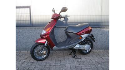 .....Peugeot Viva city 25 km/h Rood