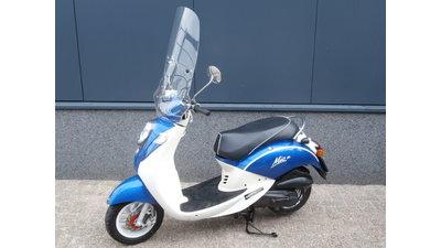 ...SYM Mio 45 km/h blauw-wit 2012