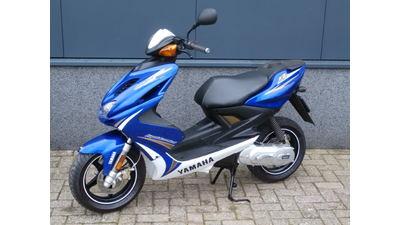 ....Yamaha Aerox blauw 2013