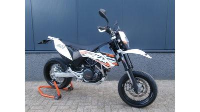 ....KTM 690 SMC 2011