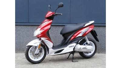 ....Yamaha Jog R 45 km/h 2009