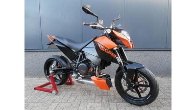 ....KTM Duke 690  2009