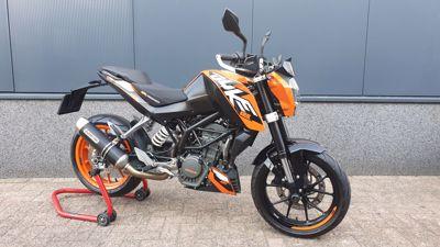 ....KTM Duke 125 ABS 2016