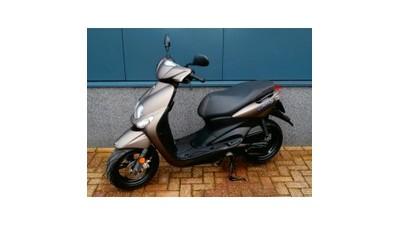 ..........Yamaha Neo's 4T 25 km/h