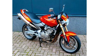 .......CB 600 F Hornet