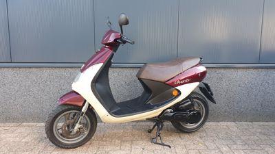 ...Peugeot Viva City 45 km/h
