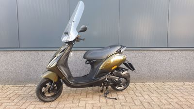 ....Piaggio Zip Special full options  25 km/h 2017