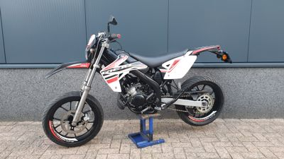 ....Rieju MRT 50 supermotard