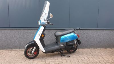 .....SYM Tonik blauw-wit 25 km/h