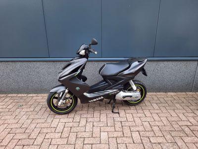 ...Yamaha Aerox  grijs 45 km/h